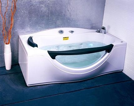 Небанальный дизайн ванны