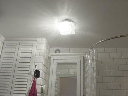 Светильник для основного потолка