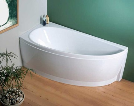 Акриловая ванна сложной конфигурации