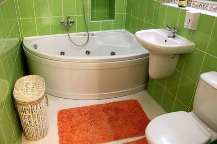 Уютная ванная в зеленых тонах
