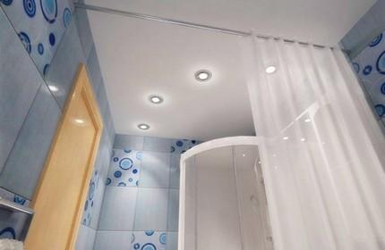 Точечная подсветка в оформлении ванной