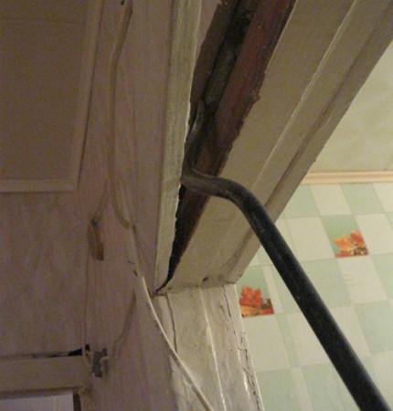 Демонтаж старой дверной коробки