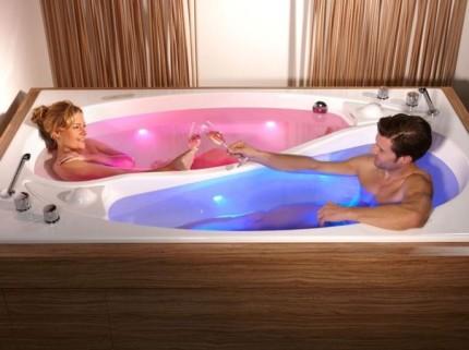 Двухместная ванна создана для романтики
