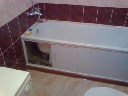 Акриловая ванна с декоративным экраном