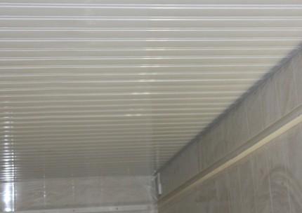 Образец реечного потолка