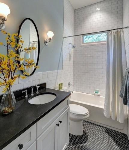 Вместительная ванна в 6 квадратов