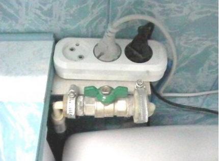 Удлинитель в ванной комнате