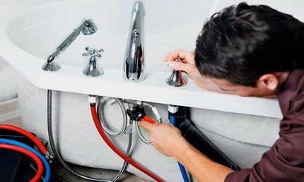 Монтаж смесителя в ванную