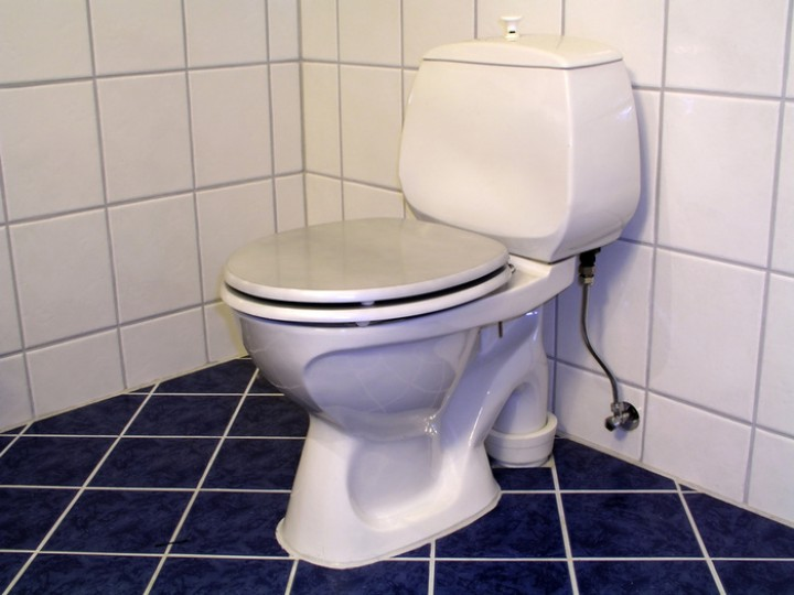 Гофра для унитаза правила установки и подключения к сантехнике