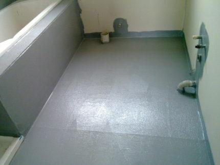 Гидроизоляция пола и примыкающих стен в ванной