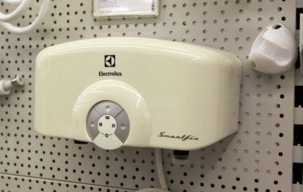 Компактный проточный водонагреватель
