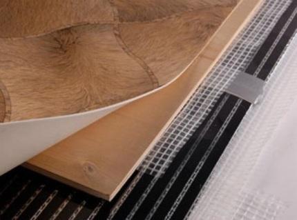 Теплый пол под линолеум: монтаж, укладка, какой лучше положить