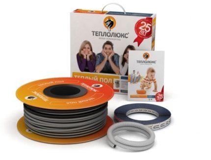 Комплект поставки нагревательного кабеля в коробке