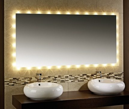 Декоративная подсветка зеркала