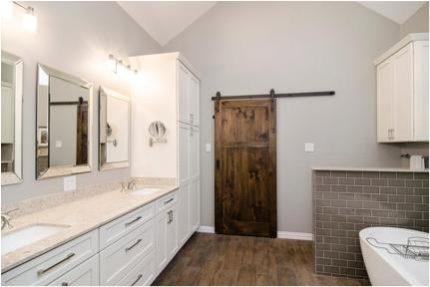 Откатная дверь в ванной