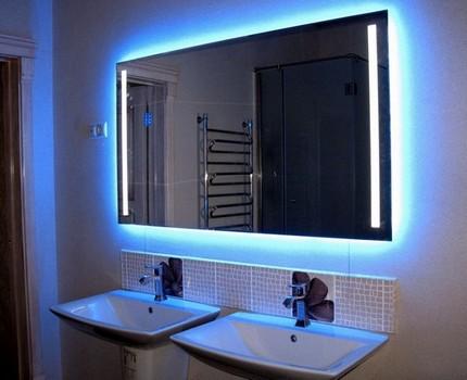 Как установить в ванной зеркало с подсветкой